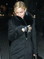 20110220-pictures-madonna-out-and-about-london-01