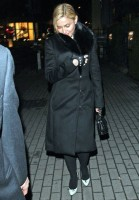 20110220-pictures-madonna-out-and-about-london-03