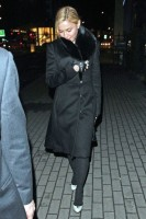 20110220-pictures-madonna-out-and-about-london-04