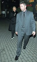 20110220-pictures-madonna-out-and-about-london-11