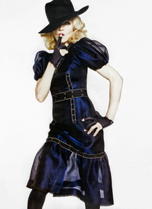20110224-picture-madonna-scan-elle-tom-munro