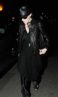20110224-pictures-madonna-leaving-recording-studio-london-04