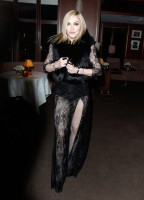 20110227-pictures-madonna-lourdes-oscar-after-party-graydon-carter-18