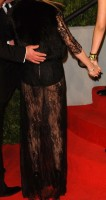 20110227-pictures-madonna-lourdes-oscar-after-party-graydon-carter-29