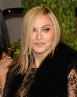20110227-pictures-madonna-lourdes-oscar-after-party-graydon-carter-33