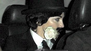 20110320-pictures-madonna-purim-charlie-chaplin-01