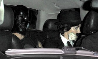 20110320-pictures-madonna-purim-charlie-chaplin-02
