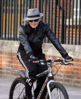 Madonna on her way to the Abbey Road Recording Studios, London (5)