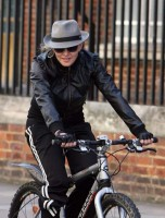 Madonna on her way to the Abbey Road Recording Studios, London (6)