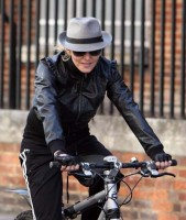 Madonna on her way to the Abbey Road Recording Studios, London (7)