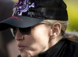 Madonna out and about in London - April 9th 2011 (12)