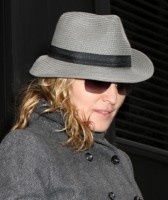 Madonna out and about in New York, April 16th 2011 (5)