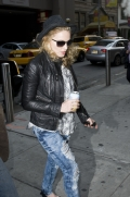 Madonna out and about, New York, April 25 2011 (2)