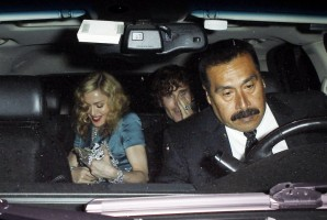 Madonna at the MET Costume Institute Gala, Alexander McQueen (4)