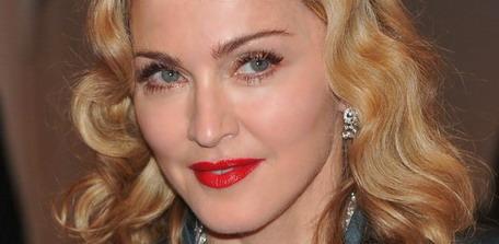 Madonna au Gala de l'institut du costume pour un hommage au designer disparu Alexander McQueen au Metropolitan Museum of Art de New York City