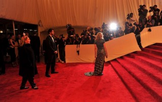 Madonna at the Alexander McQueen Savage Beauty Costume Institute Gala, New York (27)