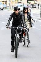 Madonna a velo dans les rues de New York, 6 mai 2011 (23)