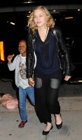 Madonna arrives at JFK airport New York - destination London (1)