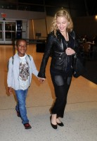 Madonna arrives at JFK airport New York - destination London (3)