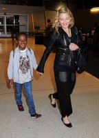 Madonna arrives at JFK airport New York - destination London (4)
