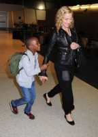 Madonna arrives at JFK airport New York - destination London (6)