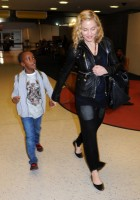 Madonna arrives at JFK airport New York - destination London (9)