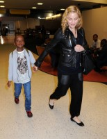 Madonna arrives at JFK airport New York - destination London (10)
