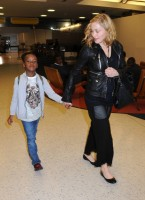 Madonna arrives at JFK airport New York - destination London (11)