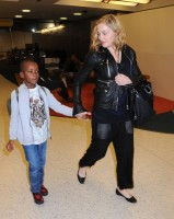 Madonna arrives at JFK airport New York - destination London (13)