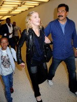 Madonna arrives at JFK airport New York - destination London (21)