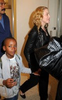 Madonna arrives at JFK airport New York - destination London (26)
