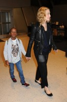 Madonna arrives at JFK airport New York - destination London (28)