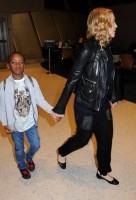 Madonna arrives at JFK airport New York - destination London (30)