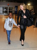 Madonna arrives at JFK airport New York - destination London (32)