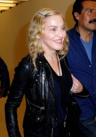Madonna arrives at JFK airport New York - destination London (34)