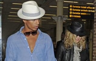 Madonna arrives at St Pancras Eurostar Station, London (7)
