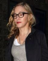 Madonna quittant un studio d'enregistrement à Soho, Londres - 8 juillet 2011 (2)