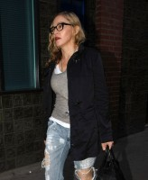 Madonna quittant un studio d'enregistrement à Soho, Londres - 8 juillet 2011 (4)