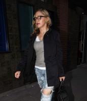 Madonna quittant un studio d'enregistrement à Soho, Londres - 8 juillet 2011 (9)