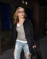 Madonna quittant un studio d'enregistrement à Soho, Londres - 8 juillet 2011 (11)