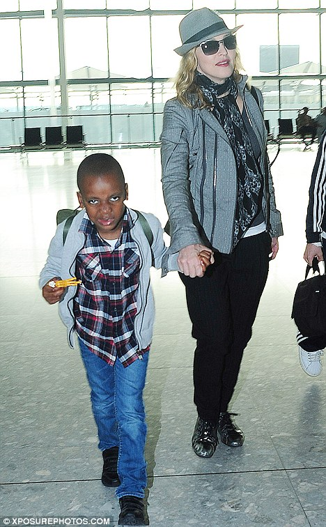 Madonna leaves London (July 2011)