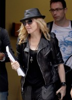 20110805-pictures-madonna-business-meeting-new-york-02