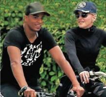 Les vacances de Madonna au Pays Basque, France - aout 2011 (5)