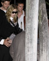 Madonna at Venice aiport (2)