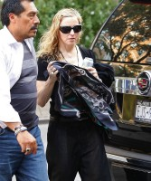 Madonna out and about in New York, 13 September 2011 (1)