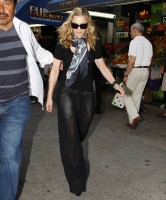Madonna out and about in New York, 13 September 2011 (4)