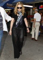 Madonna out and about in New York, 13 September 2011 (5)