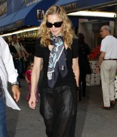 Madonna out and about in New York, 13 September 2011 (8)