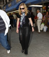 Madonna out and about in New York, 13 September 2011 (9)