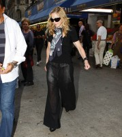 Madonna out and about in New York, 13 September 2011 (11)